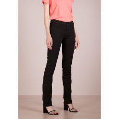 7 for all mankind KIMMIE STRAIGHT  Jeansy Straight Leg black denim. Czarne boyfriendy damskie 7 for all mankind. W wyprzedaży za 510,95 zł.