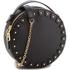 Torebka GUESS - HWYOYO L8388 BLA. Czarne torebki klasyczne damskie marki Guess, z aplikacjami, ze skóry. Za 799,00 zł.