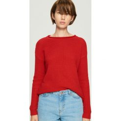 Sweter basic - Czerwony. Czerwone swetry klasyczne damskie Sinsay, l. Za 49,99 zł.