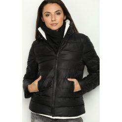 Czarna Kurtka Hold On Me. Brązowe kurtki damskie pikowane marki QUECHUA, na zimę, m, z materiału. Za 109,99 zł.