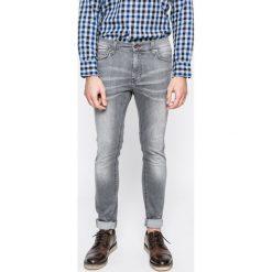 Mustang - Jeansy Frisco. Czarne jeansy męskie slim marki Mustang, l, z bawełny, z kapturem. W wyprzedaży za 179,90 zł.
