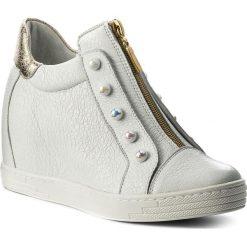 Sneakersy R.POLAŃSKI - 0922 Biały Krasz Złoty. Czarne sneakersy damskie marki R.Polański, ze skóry, na obcasie. W wyprzedaży za 249,00 zł.
