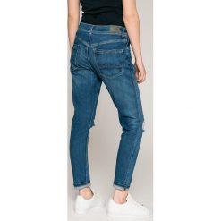Pepe Jeans - Jeansy Joey Eco x Wisher Wash. Różowe boyfriendy damskie marki Pepe Jeans, z gumy, na sznurówki. W wyprzedaży za 269,90 zł.