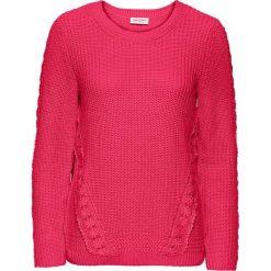 Sweter z koronkową wstawką, długi rękaw bonprix różowy hibiskus. Czerwone swetry klasyczne damskie bonprix, z koronki. Za 79,99 zł.