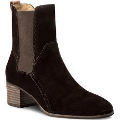 Botki GANT - Sandra 15543053  Dark Brown G46. Brązowe buty zimowe damskie GANT, ze skóry, na obcasie. W wyprzedaży za 429,00 zł.