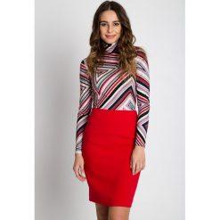 Dopasowana czerwona spódnica  BIALCON. Czerwone spódnice wieczorowe marki BIALCON, z standardowym stanem, midi, dopasowane. W wyprzedaży za 123,00 zł.