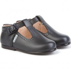 Skórzane półsandały w kolorze granatowym. Niebieskie sandały chłopięce marki geox kids, z gumy. W wyprzedaży za 175,95 zł.