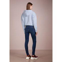 7 for all mankind WITH OUTSEAM DETAILS ILLUSION LOVESONG Jeans Skinny Fit dark blue denim. Niebieskie boyfriendy damskie 7 for all mankind, z bawełny. Za 1049,00 zł.