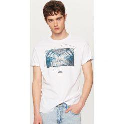 T-shirty męskie: T-shirt z oryginalną grafiką – Biały