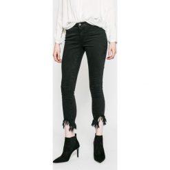 Only - Jeansy. Szare jeansy damskie rurki marki ONLY, s, z bawełny, z okrągłym kołnierzem. W wyprzedaży za 89,90 zł.