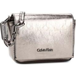 Torebka CALVIN KLEIN BLACK LABEL - Gifting Micro Crossb K60K604060  902. Czarne listonoszki damskie marki Calvin Klein Black Label, z materiału. Za 399,00 zł.