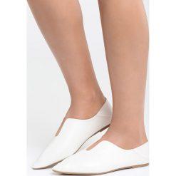 Białe Balerinki Have a Dream. Białe baleriny damskie marki Born2be, z materiału, na płaskiej podeszwie. Za 69,99 zł.