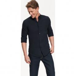 KOSZULA DŁUGI RĘKAW MĘSKA SLIM FIT. Szare koszule męskie slim marki Top Secret, w ażurowe wzory. Za 69,99 zł.