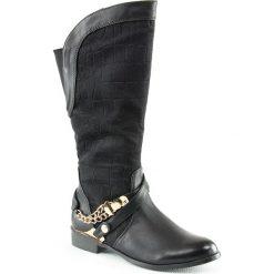 Buty zimowe damskie: Kozaki w kolorze czarnym