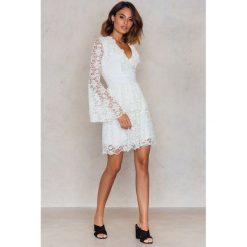 Sukienki hiszpanki: Trendyol Sukienka Koronka Ekru - White,Offwhite