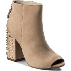 Botki CARINII - B4351 504-000-000-C00. Czerwone buty zimowe damskie Carinii, ze skóry. W wyprzedaży za 279,00 zł.