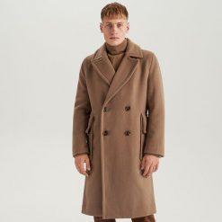 Długi płaszcz z wełną  ReDesign - Kremowy. Białe płaszcze na zamek męskie marki Reserved, l, z wełny. Za 499,99 zł.