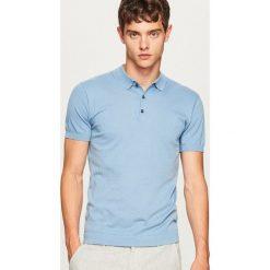 Sweter polo - Niebieski. Niebieskie swetry klasyczne męskie marki Reserved, m, polo. W wyprzedaży za 39,99 zł.