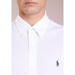 Polo Ralph Lauren FEATHERWEIGHT  Koszula white. Szare koszule męskie marki Polo Ralph Lauren, l, z bawełny, button down, z długim rękawem. Za 459,00 zł.