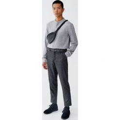 Koszula ze stójką i długim rękawem. Brązowe koszule męskie na spinki Pull&Bear, m, ze stójką, z długim rękawem. Za 89,90 zł.