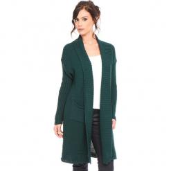 """Kardigan """"Liliane"""" w kolorze zielonym. Zielone kardigany damskie marki Cosy Winter, s, prążkowane. W wyprzedaży za 159,95 zł."""