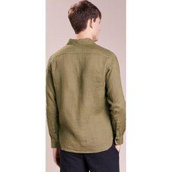 Koszule męskie na spinki: 120% Lino CAMICIA UOMO Koszula military green