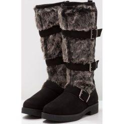 New Look BLURRY Kozaki black. Czarne buty zimowe damskie marki New Look, z materiału, na obcasie. W wyprzedaży za 147,95 zł.
