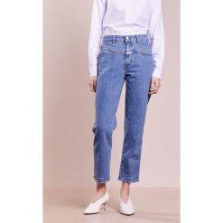 CLOSED PEDAL PUSHER Jeansy Relaxed Fit bright blue. Niebieskie jeansy damskie relaxed fit CLOSED. W wyprzedaży za 463,20 zł.