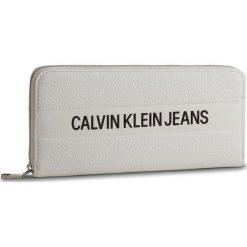Duży Portfel Damski CALVIN KLEIN JEANS - Logo Banner Large Ziparound K40K400840 102. Białe portfele damskie marki Calvin Klein Jeans, z jeansu. Za 299,00 zł.