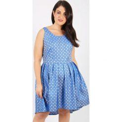 Sukienki hiszpanki: Rozszerzana, półdługa sukienka z żakardowym wzorem