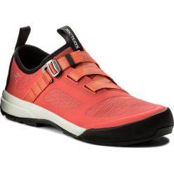Trekkingi ARC'TERYX - Arakys W 069659-353576 G0 Dragonfruit/Autumn Coral. Czerwone buty trekkingowe damskie Arc'teryx. W wyprzedaży za 409,00 zł.