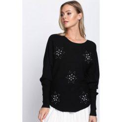 Czarny Sweter Lead Me. Czarne swetry klasyczne damskie Born2be, m, z dzianiny, z dekoltem w łódkę. Za 59,99 zł.