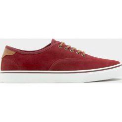 Buty męskie: Bordowe tenisówki basic w miejskim stylu