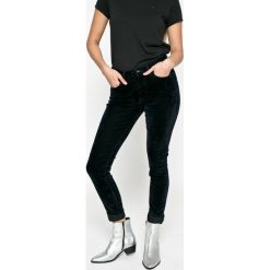 Pepe Jeans - Spodnie Regent. Szare jeansy damskie rurki Pepe Jeans, z bawełny, z podwyższonym stanem. W wyprzedaży za 269,90 zł.