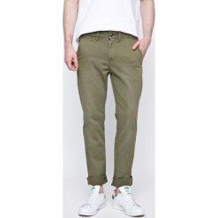 Pepe Jeans - Spodnie. Szare chinosy męskie marki Pepe Jeans, z bawełny. W wyprzedaży za 179,90 zł.