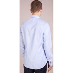 Michael Kors SLIM FIT Koszula biznesowa light blue. Niebieskie koszule męskie slim marki Polo Ralph Lauren, m, z bawełny, polo. Za 379,00 zł.