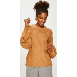 Answear - Sweter. Różowe swetry klasyczne damskie marki ANSWEAR, l, z dzianiny, z okrągłym kołnierzem. Za 89,90 zł.