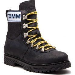 Trapery TOMMY JEANS - Outdoor EM0EM00170  Black 990. Czarne trapery męskie marki Tommy Jeans, z jeansu. Za 699,00 zł.