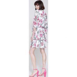 Sukienki: Biała Sukienka Magical Flowers