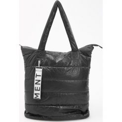 Pikowana torba - Czarny. Czarne torebki klasyczne damskie Reserved, pikowane. Za 99,99 zł.