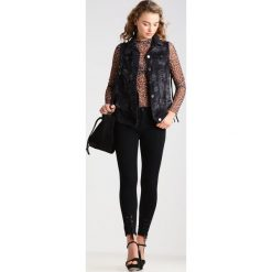 Boyfriendy damskie: 2ndOne NICOLE  Jeans Skinny Fit satin black