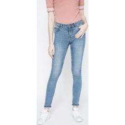 Noisy May - Jeansy. Niebieskie jeansy damskie relaxed fit marki Noisy May, z bawełny. W wyprzedaży za 89,90 zł.
