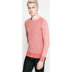 Blend - Sweter. Różowe swetry klasyczne męskie Blend, l, z bawełny, z okrągłym kołnierzem. W wyprzedaży za 49,90 zł.