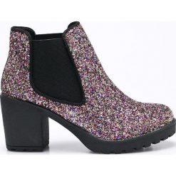 Corina - Botki. Czarne buty zimowe damskie Corina, z materiału, z okrągłym noskiem, na obcasie. W wyprzedaży za 69,90 zł.