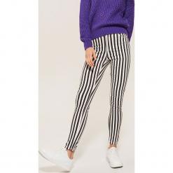 Jeansy high waist skinny - Wielobarwn. Szare rurki damskie House, z jeansu, z podwyższonym stanem. Za 99,99 zł.