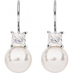 Srebrne kolczyki z cyrkoniami i perełkami. Białe kolczyki damskie Julie & Grace, z cyrkonią, srebrne. W wyprzedaży za 77,95 zł.