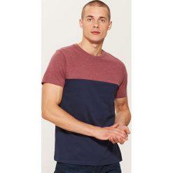 T-shirt z łączonych materiałów - Granatowy. Niebieskie t-shirty męskie House, l, z materiału. Za 35,99 zł.