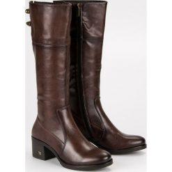 BRĄZOWE KOZAKI NA OBCASIE VINCEZA. Brązowe buty zimowe damskie marki SMALL SWAN. Za 189,00 zł.
