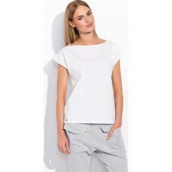 Biała Codzienna Bluzka Dzianinowa z Krótkim Rękawem. Białe bluzki z odkrytymi ramionami Molly.pl, uniwersalny, z dresówki, klasyczne, z klasycznym kołnierzykiem, z krótkim rękawem. Za 69,90 zł.