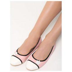 Różowe Balerinki White Daisy. Białe baleriny damskie marki Born2be, ze skóry, na płaskiej podeszwie. Za 49,99 zł.